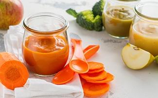 Selbstgemachter Gemüsebrei aus Karotten