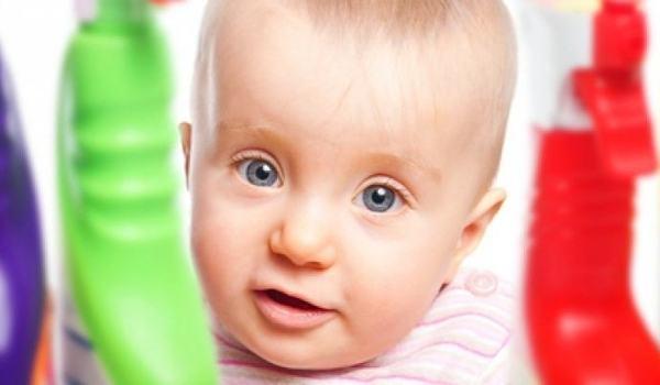 Vergiftungen bei Baby und Kleinkind - jetzt informieren!