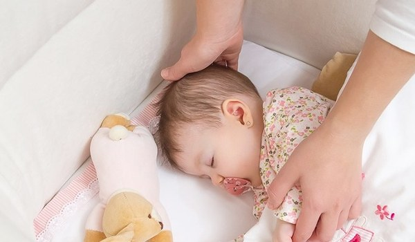Babybett: Ein sicherer Schlafplatz für Ihr Baby - jetzt informieren!