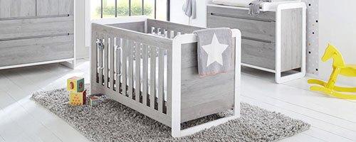 Babyzimmer mit Babybett