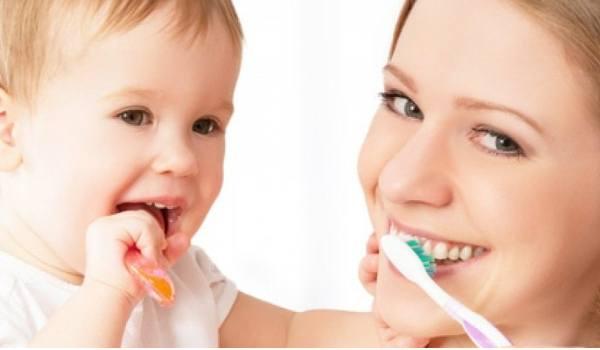Zahnprophylaxe bei Baby und Kind - jetzt informieren!