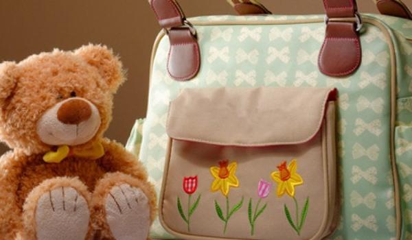 Wickeltasche und Teddybär