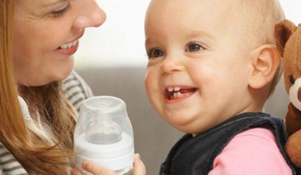 Zwiemilch & Ernährung: Stillen und Fläschchen - jetzt informieren!