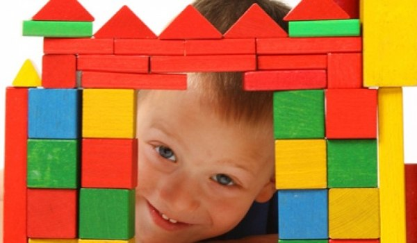Mit Spielzeug die Kreativität fördern - jetzt informieren!