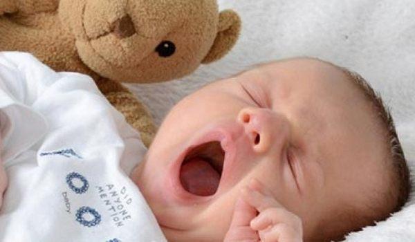 Ihr Baby im 2. Monat - jetzt informieren!